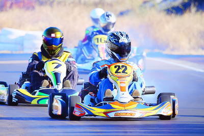 Thomas_Glasson_leads_the_field_in_CH_Monaco_Kart_2011